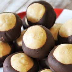 A quick and easy no-bake chocolate + peanut butter buckeye dessert, perfect for last minute holiday treats or gifts.