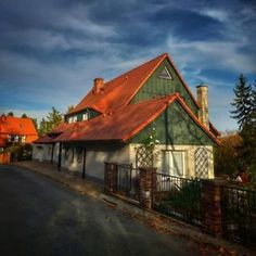 Duszniki Zdrój na ulicy Wybickiego Cabin, House Styles, Home Decor, Decoration Home, Room Decor, Cabins, Cottage, Home Interior Design, Wooden Houses