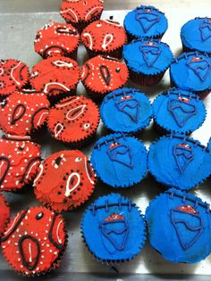 I could do that! Bandana & denim cupcakes   www.pinterest.com/PinInHome/cupcake-queen