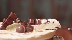 Φανταστικό cheesecake Kinder σοκολάτα! Chocolate Blanco, Cheesecake, Pudding, Sweets, Candy, Desserts, Chocolate Spread, Food Cakes, Foodies