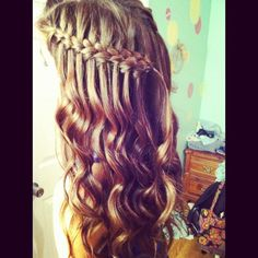 Did my bestfriend's hair for Homecoming ! :)