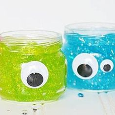 Go make your own slime with Maizena! Read all about this fun scientific project with which you make slippery mucus! Nice idea for children. Diy For Kids, Crafts For Kids, Innovation, Make Your Own, How To Make, Halloween Projects, Diy And Crafts, Fun, Handmade