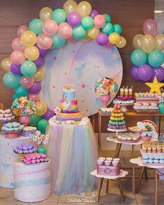 Encantadora festa no tema Unicórnio! Credito: @deiasideias #Festainfantil #ChadeBebe #FestaUnicornio #UnicornParty #Unicorn #Unicornio #FestaMenina #ChaMenina Baby Girl Birthday Theme, Unicorn Themed Birthday, Baby Girl Shower Themes, Unicorn Party, First Birthday Party Decorations, First Birthday Parties, Ideas Creativas, Pony, Care Bear Party