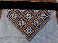 Bringeduker, belte og vest - FINN Torget Lace Making, Rug Hooking, Bunting, Beading Patterns, Embroidery Stitches, Needlepoint, Loom, Elsa, Cross Stitch
