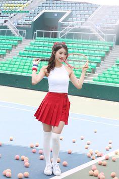 라켓 다 들었어 안 들었어 다 들었어 안 들었어 미쥬나민C  언제나 함께할게, Lovelyz Day : 네이버 포스트 Korean Women, South Korean Girls, Kpop Girl Groups, Kpop Girls, Asian Woman, Asian Girl, Lovelyz Mijoo, Hot Blonde Girls, Tennis Skirts