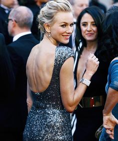 Naomi Watts. Escotazo en la espalda. #Openback #RedCarpet. Armani