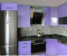 If you want to make your house more modern - start with the kitchen. Modern kitchen design is great for a complete redevelopment and the. Kitchen Sets, Home Decor Kitchen, Kitchen Interior, Purple Kitchen Cabinets, Kitchen Cabinet Styles, Best Kitchen Designs, Modern Kitchen Design, Kitchen Modular, Little Kitchen