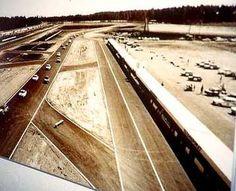 1966 Näkymä valvontatornista etelään . Oikealla ratavarikko, vasemmalla varikkosuora.