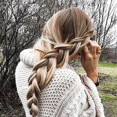 Bleach Blonde is a stunning blonde shade with warm golden undertones throughout the set. Instantly transform your hair with Bleach Blonde clip-in Luxy Hair extensions and feel more confident with thi - July 20 2019 at Winter Hairstyles, Pretty Hairstyles, Braided Hairstyles, Updo Hairstyle, Braided Updo, Prom Hairstyles, Blonde Hairstyles, Protective Hairstyles, Luxy Hair Extensions