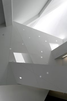 Image 11 of 43 from gallery of Denver Art Museum / Studio Libeskind. Photograph by Bitter Bredt