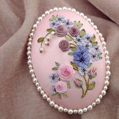 Купить Брошь с вышивкой Предчувствие весны - бледно-розовый, розовый, брошь вышитая