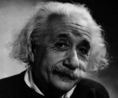 """Letta da Arturo Delogu, questa citazione la avevo già proposta quasi 2 anni fa; ma resta talmente attuale da farmela riproporre come momento di riflessione.  """"Non possiamo pretendere che le cose cambino, se continuiamo a fare le stesse cose. La crisi è la più grande benedizione [...]""""  #einstein, #crisi, #inventiva, #cambiare, #incompetenza, #lottare, #italiano,"""