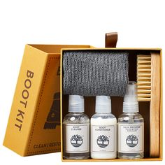 Formulated for use on nubuck leather only, our Boot Kit is the best way to keep your Timberland® boots protected and looking their best. Timberland Store, Timberland Boots Outfit, Timberlands Women, Timberland Mens, Clean Boots, Leather Accessories, Gift Guide, Leather Boots, The Balm