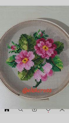 Cross Stitch Cards, Cross Stitch Rose, Cross Stitch Flowers, Cross Stitch Embroidery, Hand Embroidery, Embroidery Patterns Free, Embroidery Designs, Cross Stitch Designs, Cross Stitch Patterns