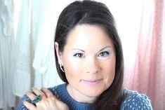 50 Looks of LoveT.: Ü30 Blogger & Friends: Winterfarben im Fokus Make Up Tutorials, Make Up Looks, Friends, Old Women, Action, Make Up Eyes, Amigos, Makeup Looks, Boyfriends
