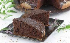 Najlepszy i sprawdzony przepis murzynka. Murzynek tradycyjny pieczony z kakao jest wilgotny, pachnący i super smaczny. To jedno lepszych domowych ciast czekoladowych. A do tego ten murzynek zawsze się udaje! Smoothie, Recipies, Yummy Food, Baking, Cake, Diet, Kuchen, Recipes, Delicious Food