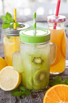 20 combinações de frutas para fazer sucos deliciosos Healthy Drinks, Get Healthy, Breakfast At Tiffanys, Smoothie Diet, How To Increase Energy, Food Styling, Detox, Cucumber, Delicious Desserts