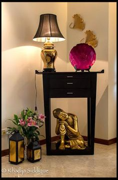 Check out these colorful interior design ideas Indian style and see just why India's home decor style is such a popular style for anyone's home. Home Decor Accessories, Indian Home Decor, Asian Decor, Rooms Home Decor, Indian Decor, Home Decor Wall Art, Corner Decor, Buddha Decor, Home Decor Furniture