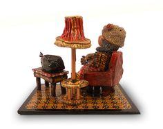 Figura hecha con pasta de modelar y  madera. Medidas aproximada: 18 cm de alto, 22 cm de ancho y 16 cm de fondo
