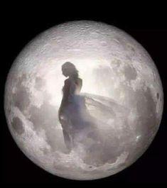 Tattoo Moon Moonlight La Luna 63 New Ideas Image Beautiful, Beautiful Fantasy Art, Beautiful Moon, Moon Dance, Luna Moon, Ange Demon, Moon Pictures, Moon Pics, Moon Photography