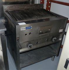 Piastre di cottura a gas, elettriche, a pietra lavica. Da utilizzare all'aperto e non dentro i box.