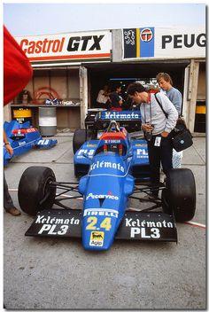 Piercarlo Ghinzani Osella Alfa Romeo FA1F F1. 1984 British GP Brands Hatch. Vintage Auto, Vintage Cars, British Grand Prix, Trans Am, F1 Racing, Slot Cars, Alfa Romeo, Grid, Lifestyle