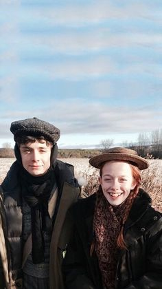 """Anne with an """"E"""" — stardustgil: if anyone's in need of shirbert or. Gilbert Blythe, Jonathan Crombie, Anne Shirley, Orphan Black, Gilbert And Anne, Anne White, Amybeth Mcnulty, Anne With An E, Film Serie"""
