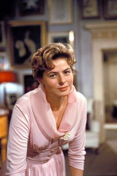 The Golden Year Collection — forever-a-place-in-my-heart: Ingrid Bergman. Old Hollywood Movies, Hollywood Star, Vintage Hollywood, Classic Hollywood, Swedish Actresses, Isabella Rossellini, Anthony Perkins, The Golden Years, Ingrid Bergman