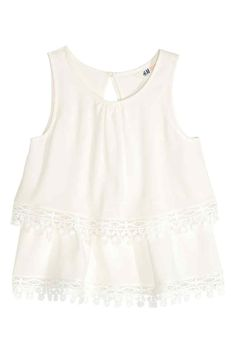 Tiered top with lace | H&M