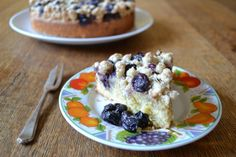 Blueberry and lemon crumble