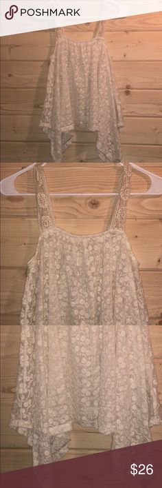 Staring At Stars Lace Top Gorgeous!!! Not lined. Staring at Stars Tops
