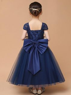 Bow Mesh Solid Color V-Neck Collar Short Sleeves Long Dress Source by bolgas Dresses Baby Blue Prom Dresses, Baby Girl Party Dresses, Little Girl Dresses, Baby Dress, Girls Dresses, Flower Girl Dresses, Long Dresses, Baby Skirt, Maxi Dresses