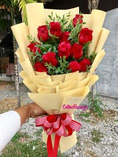 Please do not hesitate to whatsapp me if you require further information Surprise Delivery Penang Kedah Kl Whatsapp No : 60175326545 Mother's Day Bouquet, Gift Bouquet, Bouquet Wrap, Hand Bouquet, Rose Bouquet, Valentine Flower Arrangements, Rose Flower Arrangements, How To Wrap Flowers, Fresh Flowers