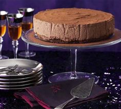 Chocolate & chestnut truffle torte This glamorous dessert makes the perfect festive centrepiece for a posh Christmas party Chocolate Mix, Decadent Chocolate, Chocolate Truffles, Chocolate Torte, Christmas Pudding, Christmas Desserts, Christmas Recipes, Christmas Foods, Holiday Meals