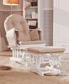 In diesem komfortablen Stillstuhl in Beige von MYBABY verschaffen Sie sich beim Stillen eine entspannte Verschnaufpause. Ein Stillstuhl von MYBABY, der Sie durch Ihre Mutterschaft begleitet! Finden Sie den Stuhl hier: http://www.xxxlshop.de/baby/babyzimmer/wickelkommoden/c6c4c3/mybaby/stillstuhl.produkt-008976000102