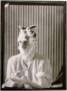 Man Ray - Portrait of Marcel Duchamp, Paris 1921 Lee Miller, Marcel Duchamp, Harlem Renaissance, Man Ray Photographie, Foto Face, Hans Richter, Francis Picabia, Photo Portrait, Conceptual Art