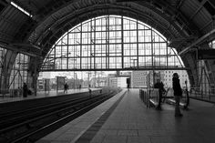 Beautiful #BlackAndWhite Composition of Berlin Train Station and great depth. #Photography
