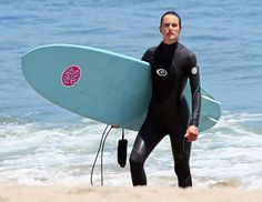 Alessandra Ambrosio wearing the G-Bomb wetsuit in Malibu - Sports et équipements - Natation - Rip Curl