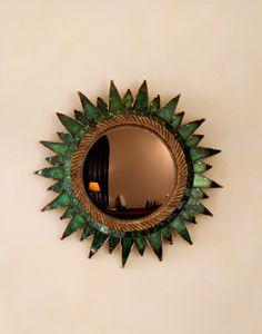 """Miroir """"Soleil vert"""" par Line Vautrin.  """"Soleil vert"""" Mirror by Line Vautrin."""