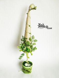 My florist work - New Year's fir-tree milk and salad colors #knitmade #knitmadeflowers #knitmadenews #newyear #christmas #milk #salad