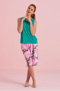 Capri Capri, Bermuda Shorts, Women, Fashion, Love Story, Underwear, Pants, Moda, Fashion Styles