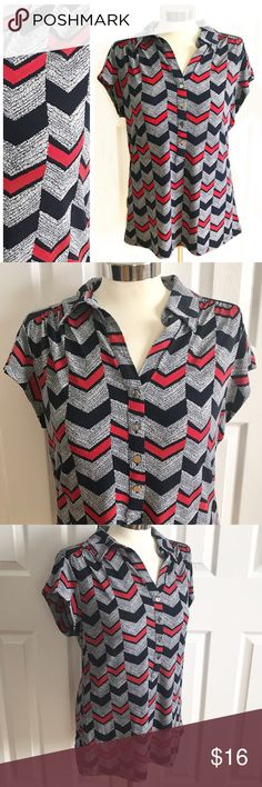 Alfani Red & Blue Chevron Shortsleeve Blouse Collar and buttons half way, silver. Shortsleeve shirt. Navy blue, white, red chevron print. Stretch to fabric. 95% polyester 5% spandex. Alfani size large. Alfani Tops