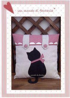 ♥ Un Poquito de Todo: explicacion hacer un cojin con aplique en forma de gato
