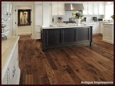 How to choose hardwood floors.  Walnut Wood