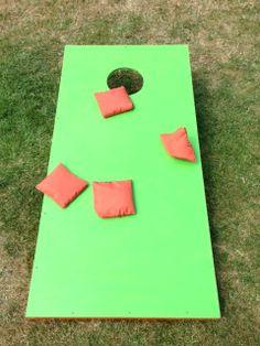 Cornhole - ein sensationelles Spiel für die ganze Familie! Garten Spiel für alle Generationen: http://einfachstephie.de/2013/08/13/cornhole-ein-sensationelles-spiel-fuer-die-ganze-familie/