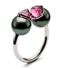 Tasaki, Refined rebellion ring, 18K white, south sea black pearl 9.0mm…