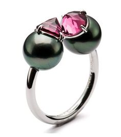 Tasaki, Refined rebellion ring, 18K white, south sea black pearl 9.0mm…