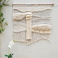 Macrame Wall Hanging / Mont Blanc Fiber Art / Macrame Wall Art / Woven Wall Hanging / Wall Art / Ranran Design - Makramé - Home Weaving Wall Hanging, Weaving Art, Tapestry Weaving, Hanging Wall Art, Hand Weaving, Loom Weaving, Macrame Wall Hangings, Weaving Projects, Macrame Projects