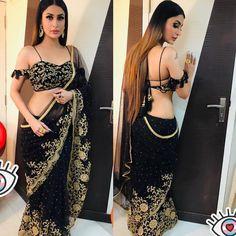 Best Sassy Deep Back Neck Blouse Designs For Sarees Sari Blouse Designs, Designer Blouse Patterns, Indian Beauty Saree, Indian Sarees, Indian Blouse, Indian Makeup, Indian Dresses, Indian Outfits, Sexy Bluse