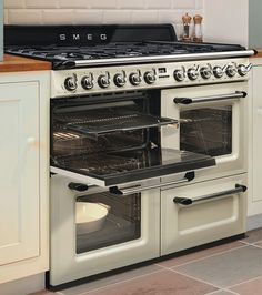 I wonder when this will appear in the States?      smeg-victoria-tr4110-range.jpg